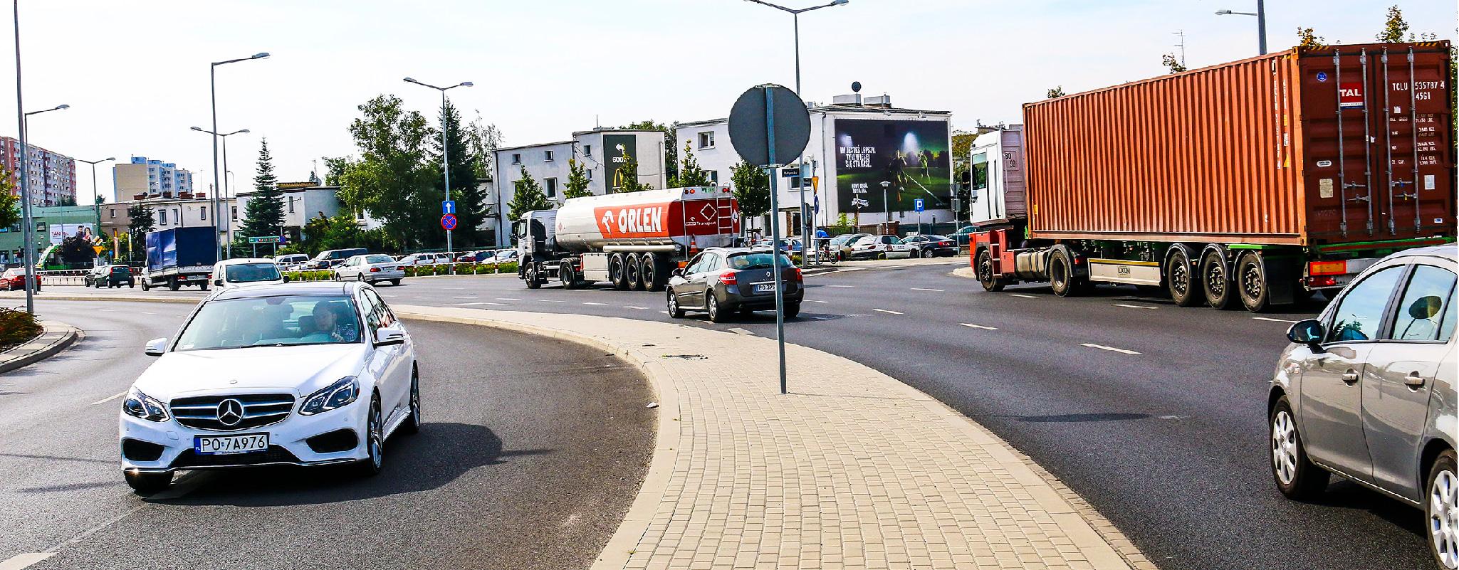 Oświetlona powierzchnia wielkoformatowa Poznań Bułgarska Nike