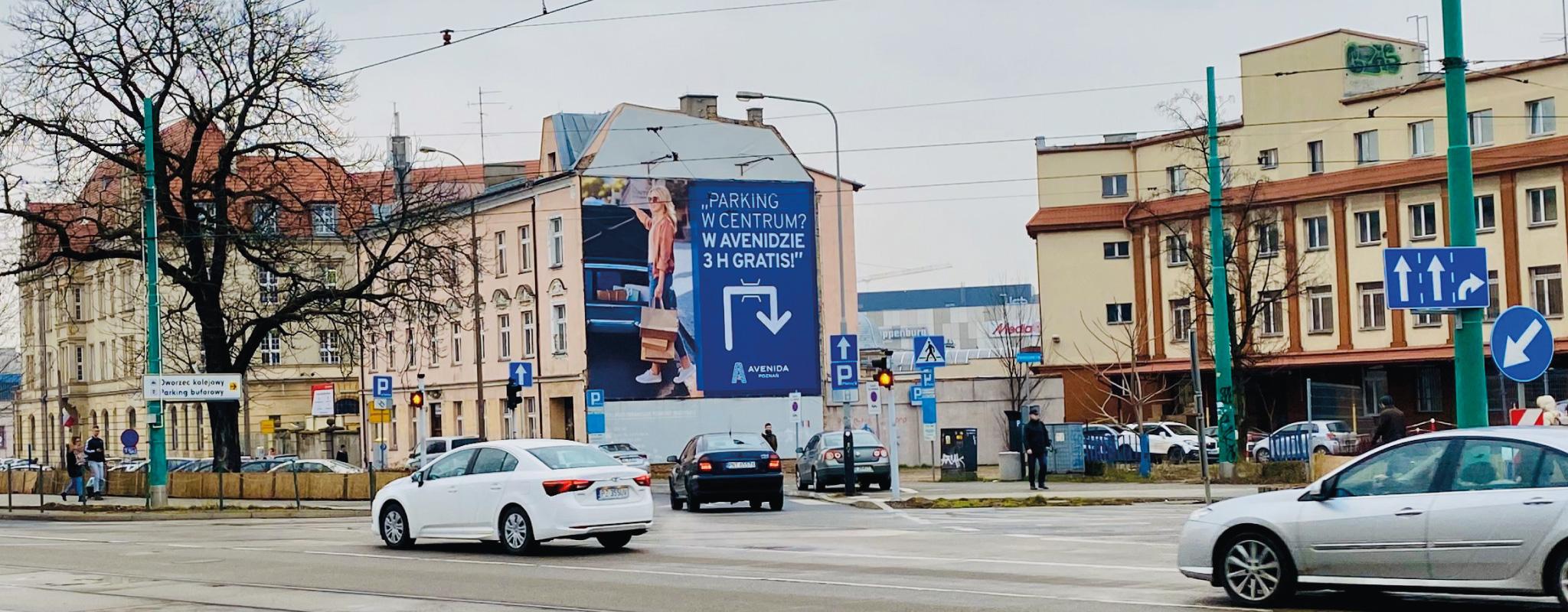 Duża powierzchnia reklamowa przy ulicy Głogowskiej dla Avenidy