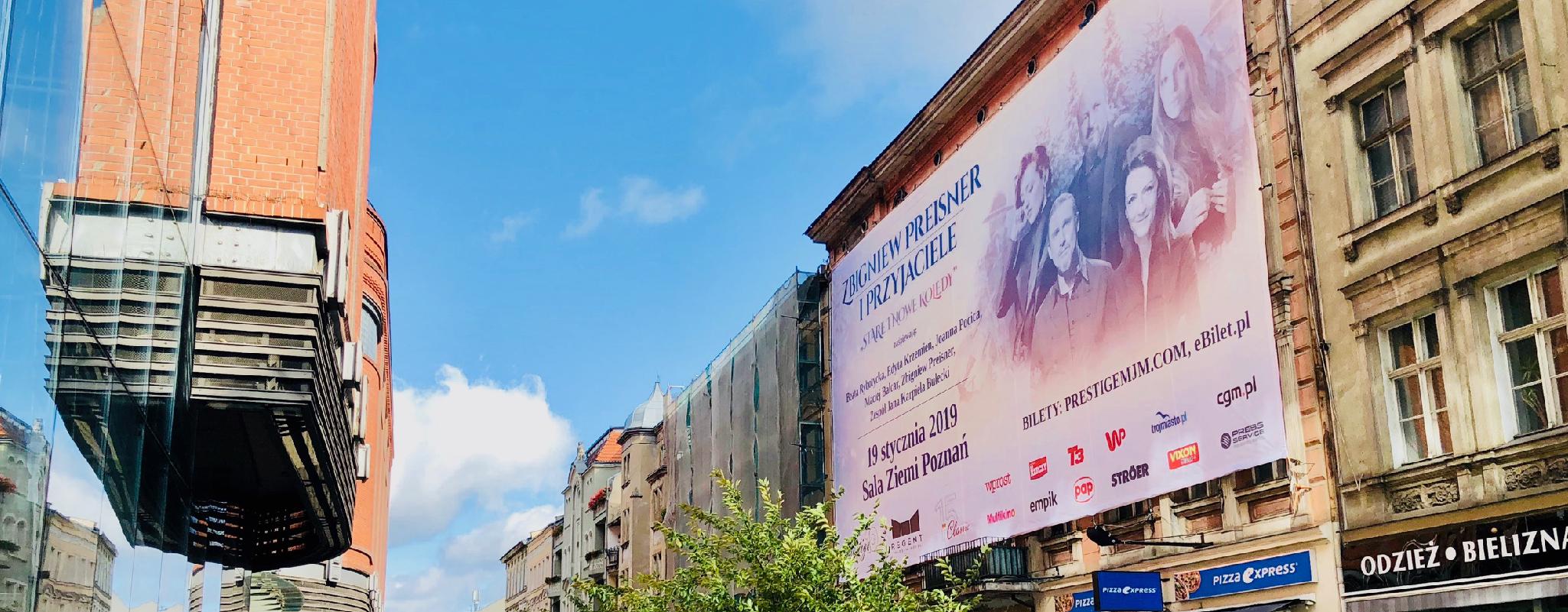 Prestiżowa reklama na ul Półwiejskiej w Poznaniu