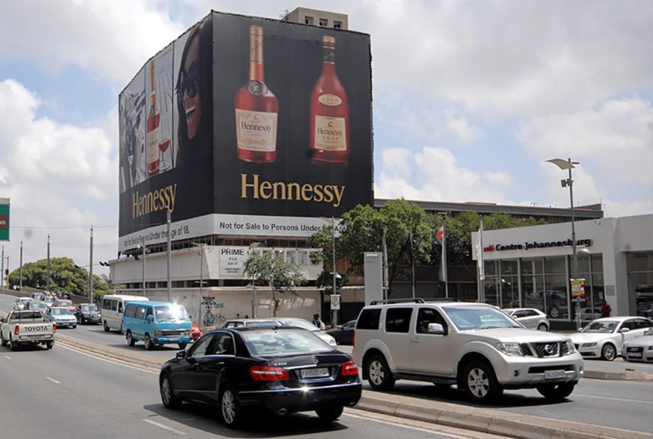 Sprzedarz wielkich powierzchni reklamowych